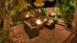 Lantern Light Inn - Romantic Getaway