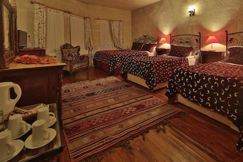Ascension Cave Suites, Merkez