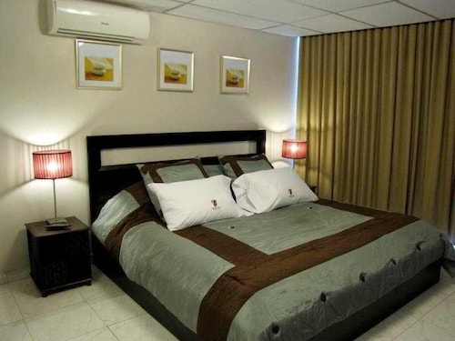 Centrum Tower Suites, Panamá