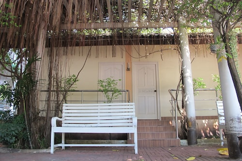 Jaroonwej Bangsaen, Pattaya