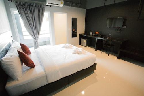 B-Black Residence, Muang Chon Buri