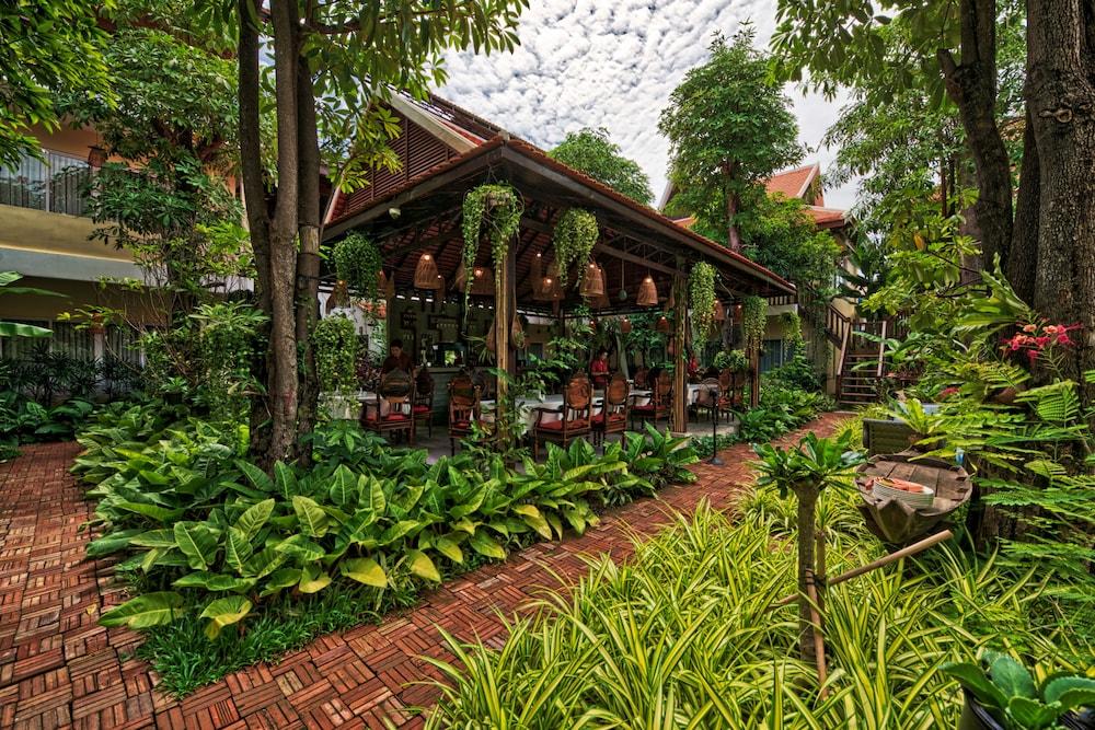Mane Village Suites | Qantas Hotels
