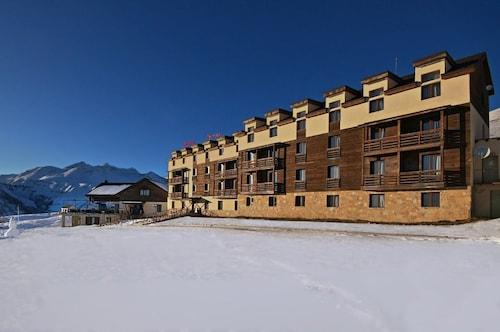__{offers.Best_flights}__ Hotel Alpina