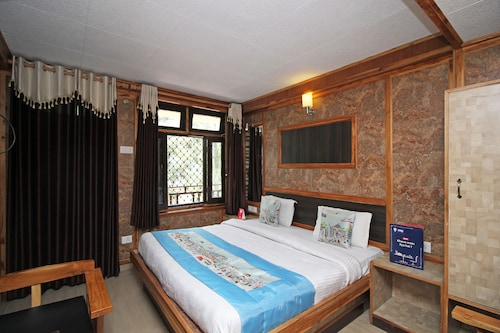 OYO 4111 Hotel Shivraj, Nainital