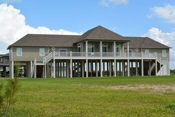 Sandy Orchid Lodge by RedAwning