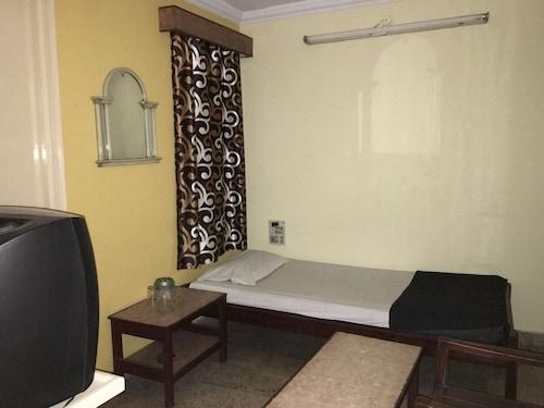 Hotel Bhavani Lodge, Hyderabad