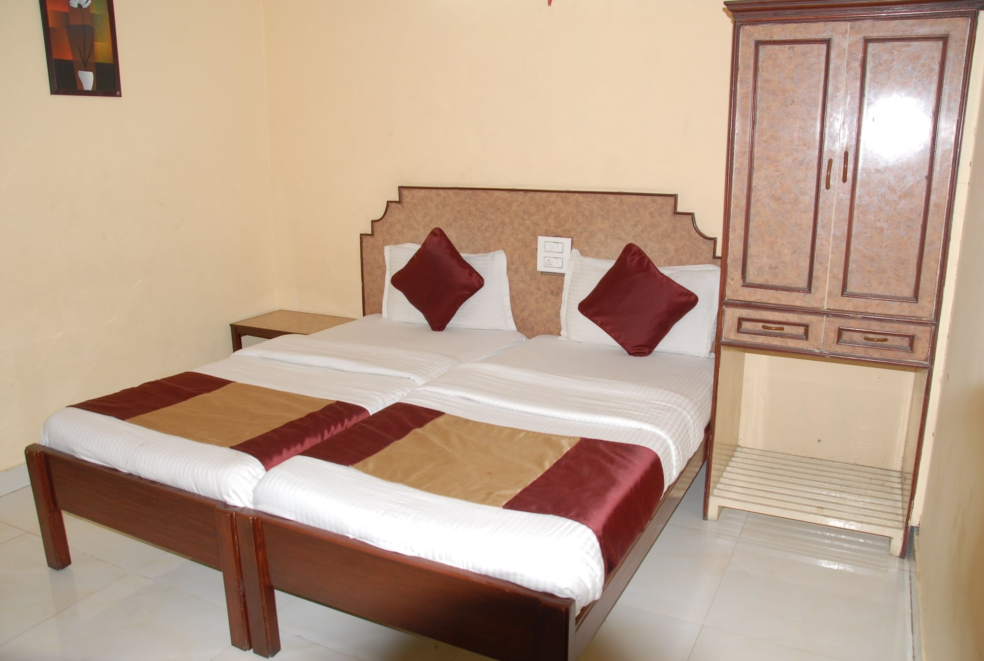 Hotel Bhavani Lodge, Hyderabad