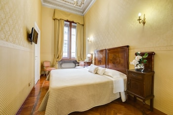 Double Room (with private external bathroom)