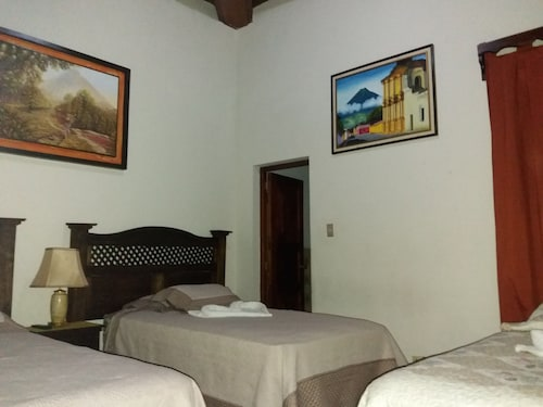 Hotel Dionisio Inn, Antigua Guatemala