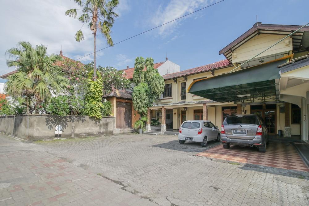 Airy Syariah Pacar Kembang Dharmahusada Satu 23 Surabaya
