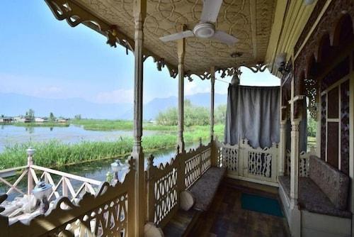 Houseboat, Srinagar