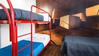 Backpackers Piramide - Hostel