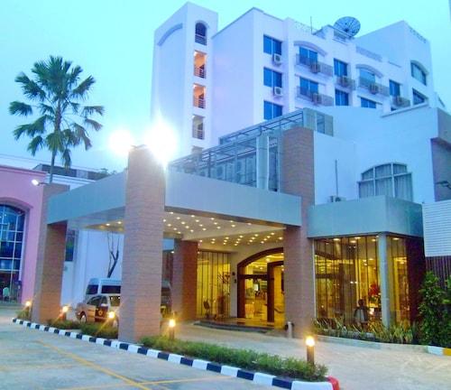 . Mayflower Grande Hotel Phitsanulok