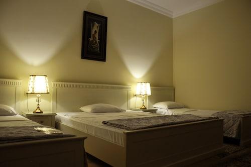 . Crown Hotel
