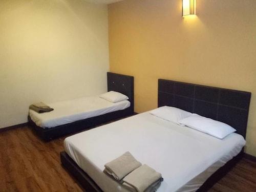 SK Hotel 1, Manjung