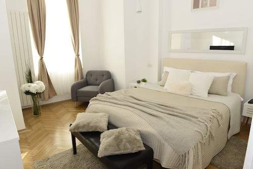 . Metropole Apartments Kogalniceanu