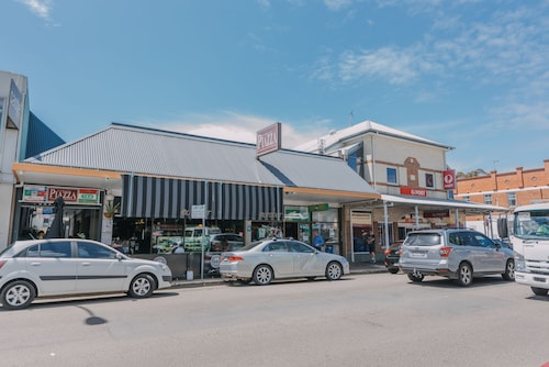 Studios On Beaumont, Newcastle - Throsby