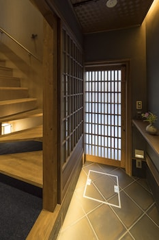 BONBORI AN Interior Entrance