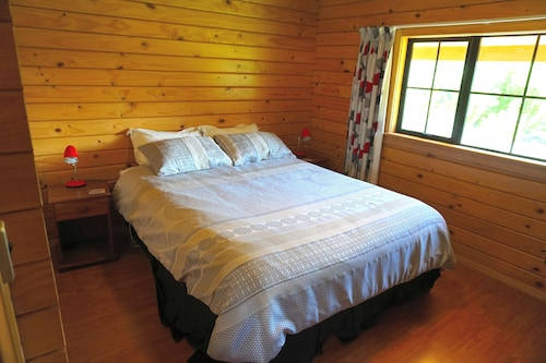 Mirabell Chalets, Central Otago
