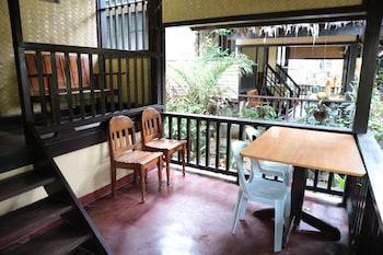 CLIFFSIDE COTTAGES Terrace/Patio