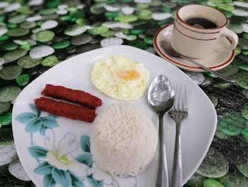 CLIFFSIDE COTTAGES Breakfast Meal