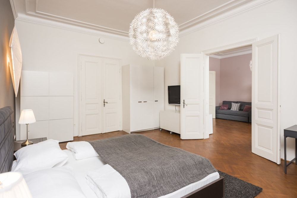Senator Suite Stephansplatz by Welcome2Vienna