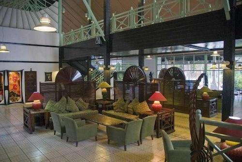 Jerma Beach Hotel, Kombo Saint Mary