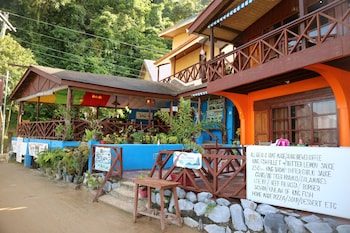 EL NIDO CORNER PENSION AND RESTAURANT
