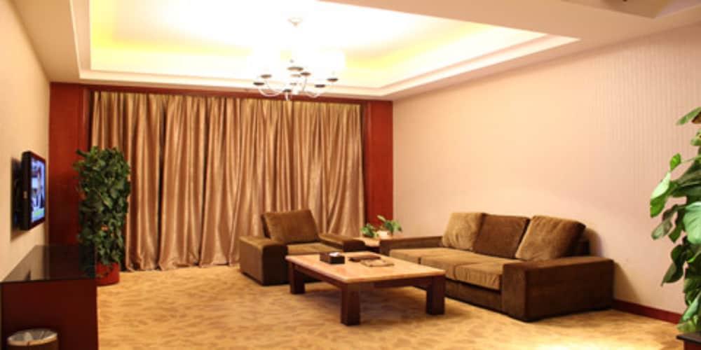 フアヒン ガーデンホテル (彙華花园酒店)