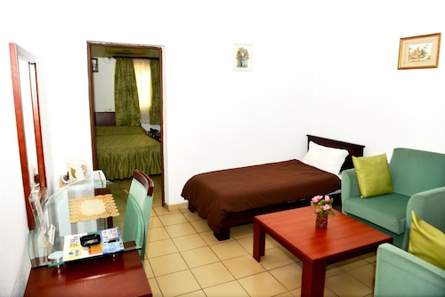Paradise Hotel, Golfe (incl Lomé)