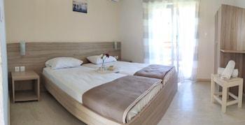 Natalia Apartments