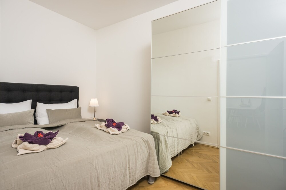 Garden Lounge Satzberg by Welcome2Vienna