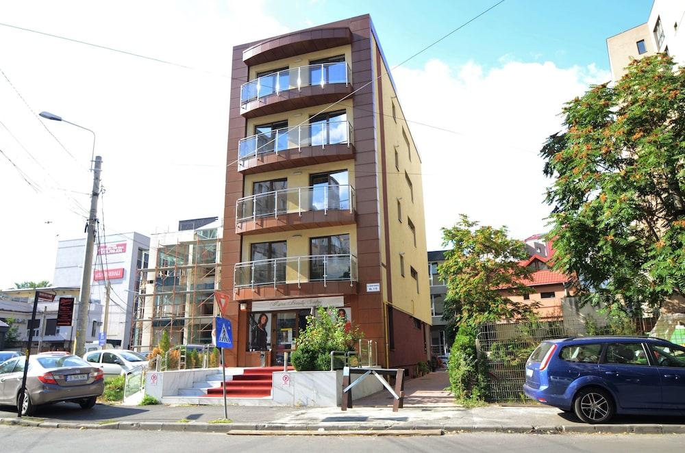 Hotel Decebal Residence Apartments