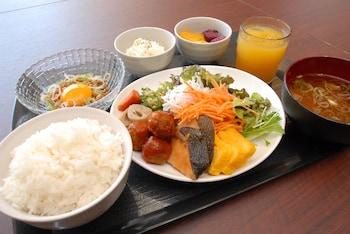 AB HOTEL NARA Food and Drink