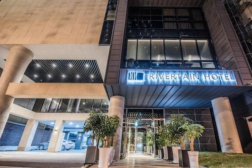 . Rivertain Hotel