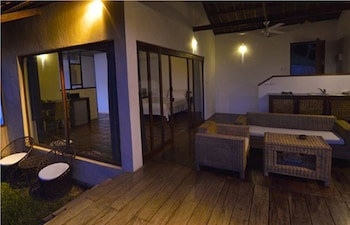 EL NIDO OVERLOOKING RESORT Room