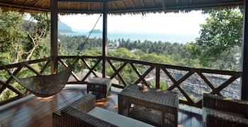EL NIDO OVERLOOKING RESORT Balcony