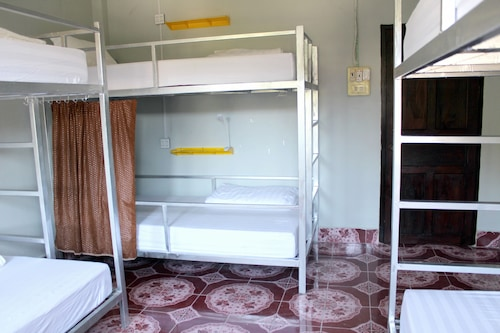 Aham Backpackers Hostel - Adults Only, Louangphrabang