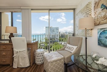 Gold Coast Penthouse by RedAwning