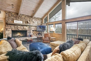Remington Retreat - 6 Bedrooms Home