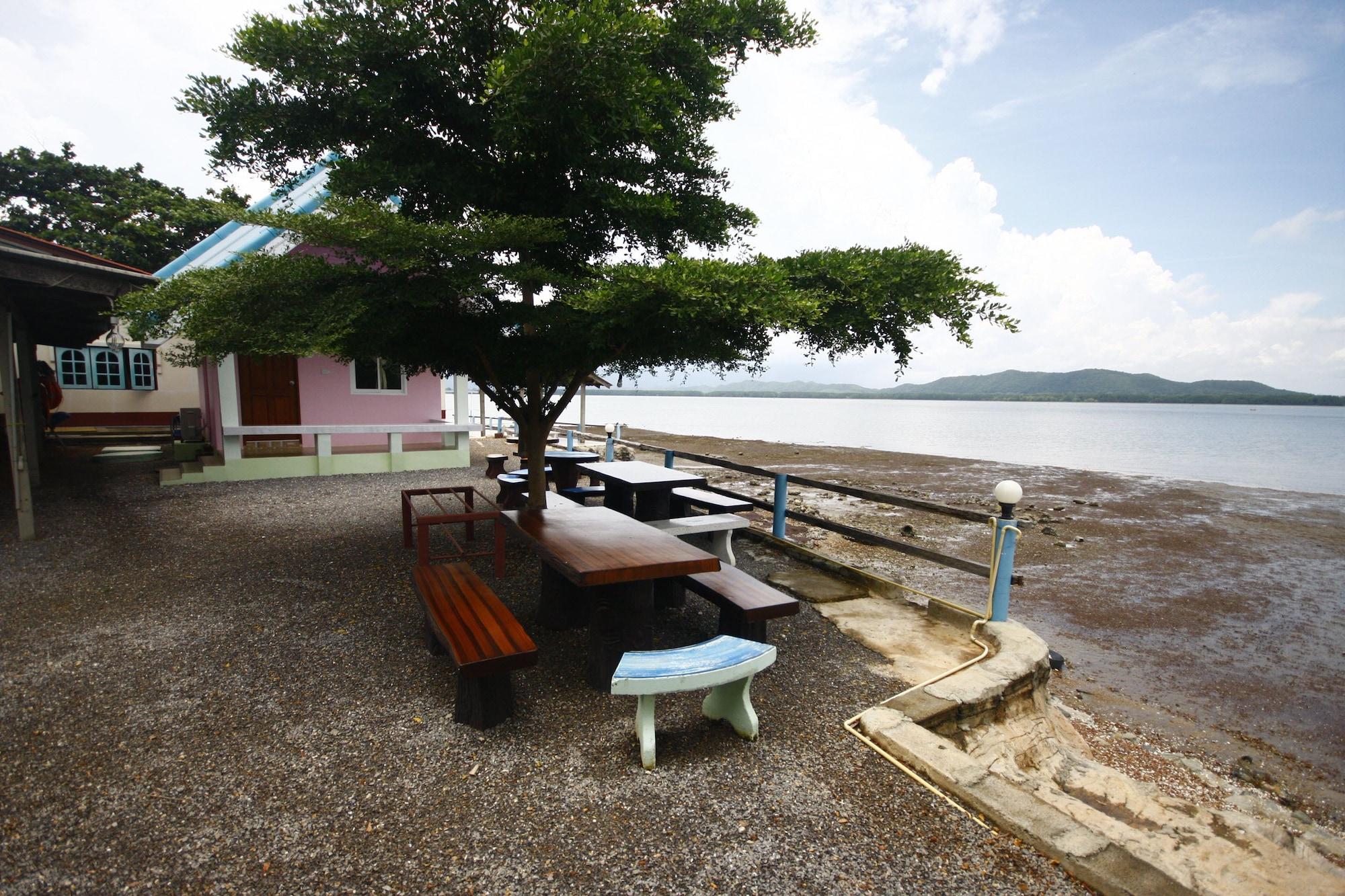 Chompoo Resort, Tha Mai