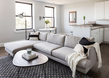 Central 1BR in Theater District by Sonder photo