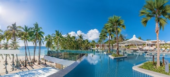 HENANN CRYSTAL SANDS RESORT Outdoor Pool