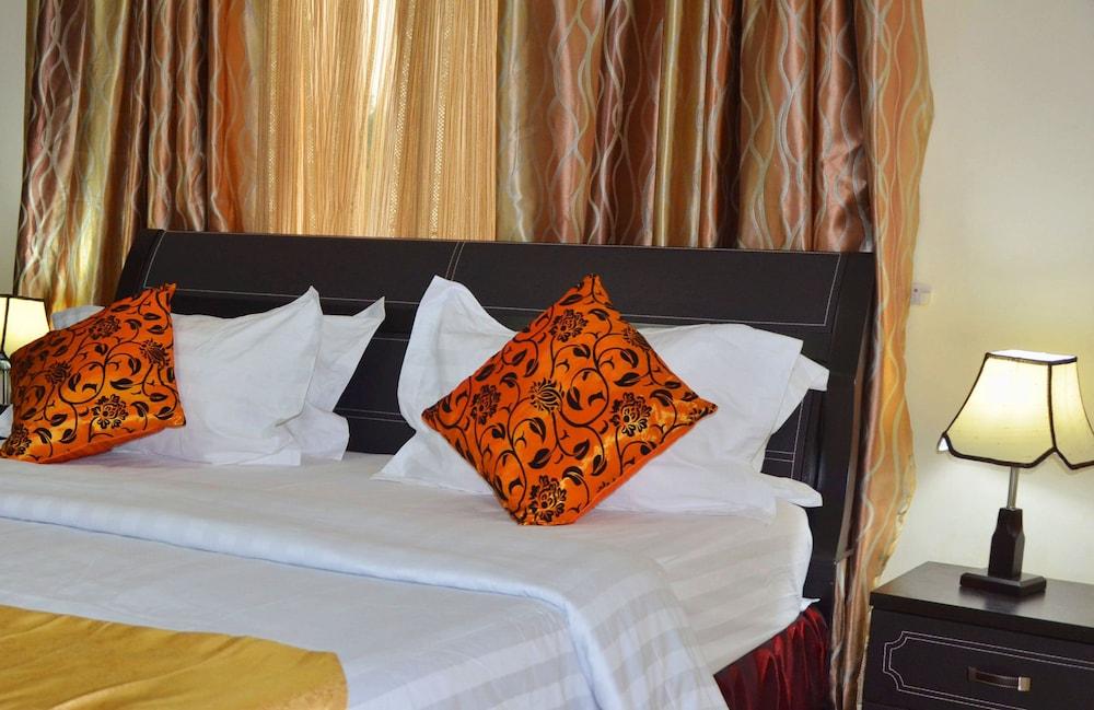 Executive Inn, Greater Monrovia