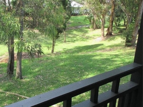 Eucalypt 3 Bedroom Deluxe Family Cottage, Lake Macquarie  - North