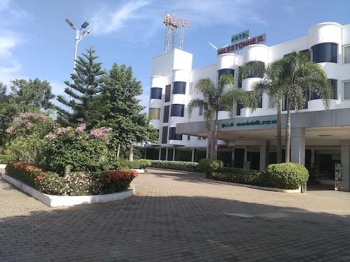 . Hotel Milestonnez