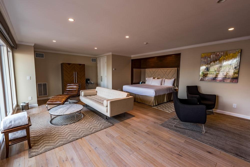 Suite, Multiple Beds (Townhouse)