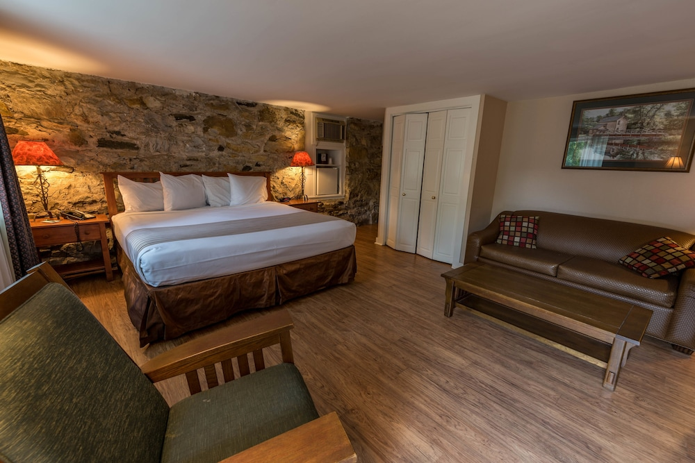 Room, 1 King Bed (Sunnyside, Pet Friendly)