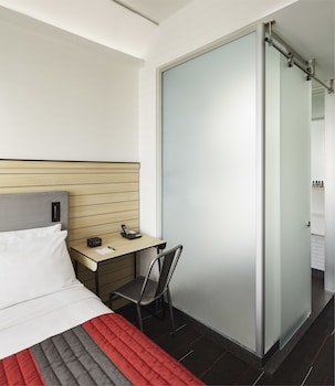 Guestroom at Pod Times Square in New York
