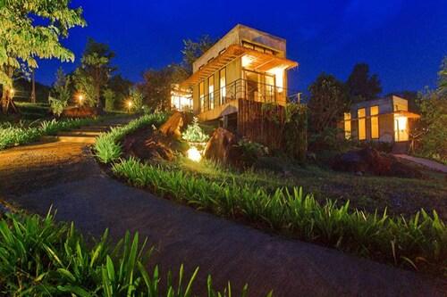 . Twelve OClock Resort